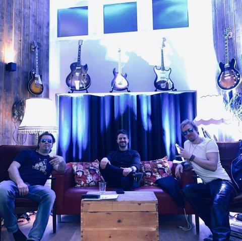 Leven, Jim Berget og Toro er fornøyde etter den første streaming-konserten.