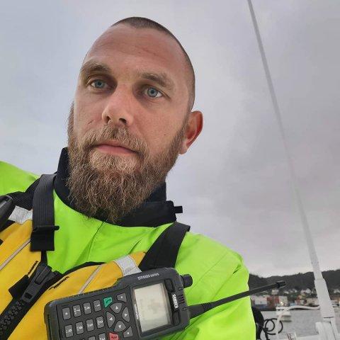 TØFT: Espen Rysjedal i Røde Kors var med i helgas søk i Askvoll. - Å leite etter unge menneske med born, er ekstra tungt.