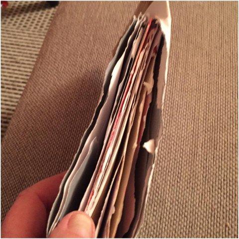 RIVNE: Slik fann ho konvolutten. Julekorta låg att, men pengar og gåvekort var stole.