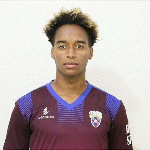 """MÅL I KROPPEN? Nelson De Jesus Correia """"Nelsinho"""" skal levere måla for Florø Fotball i år. Har han nok mål i kroppen til å løfte laget til topps?"""