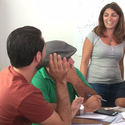 Farlig tilværelse: Lina Schawaf er redaktør i syriske Radio Rozana, de andre er journalister. De deltok alle på et kurs med Frode Rekve i regi av IJ denne uken, i en tyrkisk grenseby.