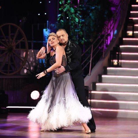 Inderlig vals: Stian Thorbjørnsen og Alexandra Kakurina imponerte nok en gang dommerne, og ble sendt videre i Skal vi danse.