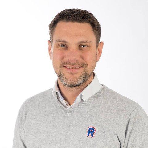 Regionsdirektør i Rema 1000, Fredrik Holst, ser etter en som blant annet elsker å jobbe med mennesker og har gode lederegenskaper.