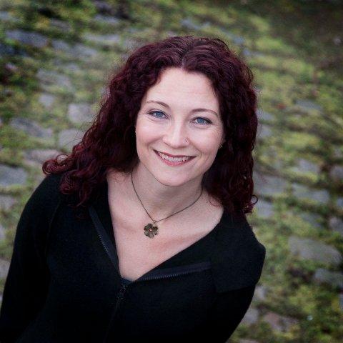 Sanger Helga Johanne Størdal medvirker på pasjonsaften i Glemmen kirke fredag 19. april.
