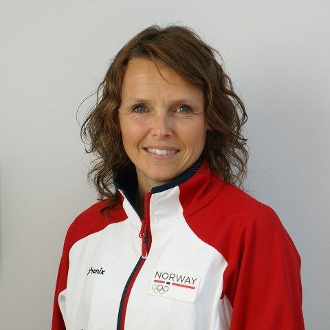 KLAR: Heidi Holmlund fra Narvik er klar for å fóre de norske OL-utøverne med god og riktig mat. Foto: Olympiatoppen.no