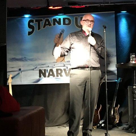 Hansi Lorentzen debuterte som stand up-komiker fredag, og gjorde en veldig god figur. Han fikk publikum til å le så tårene sprutet, og fikk trampeklapp.