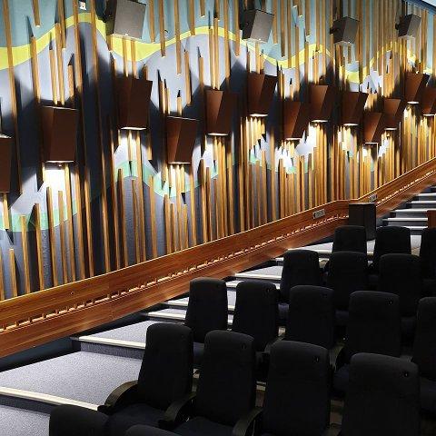 NY KONTRAKT: Aurora skal fortsette driften av kinoen i Narvik i fire nye år, og har opsjon på fire år til.