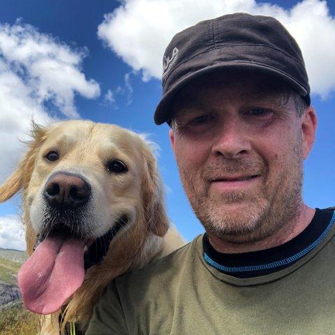 Når Pål Larsson ikke er på jobb, tar han med seg golden retrieveren Aiko ut på tur i skogen og på fjellet. Her fra en tur i Sirdalsheiene i sommer.