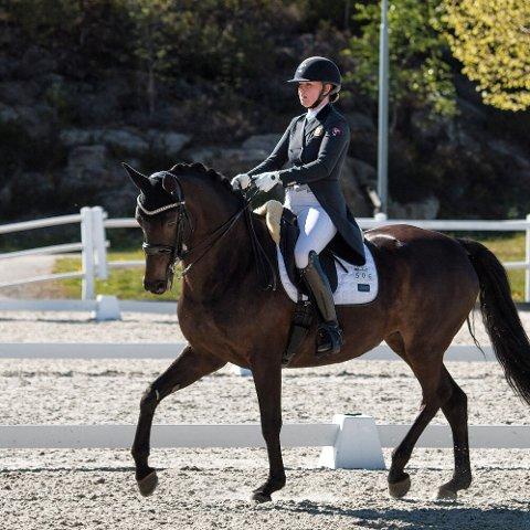 I aksjon. Thea Katarina Bråten og Pia Pia har nå kvalifisert seg for Norwegian Horse Festival, av mange karakterisert som landets mest prestisjetunge internasjonale stevne.