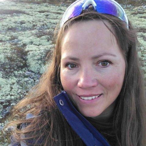 Olga Hagen har en rev på garden sin i Skogbygda i Vågå.