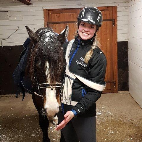 Therese Carlson Sellevoll understreker at hun er positiv til dugnad, men ønsker større aksept for at det ikke alltid er mulig å stille opp. Hun er rideinnstruktør, og skulle ha med fem jenter på ridestevne samme dag som hun var satt opp på dugnad hos Baldus Cup.