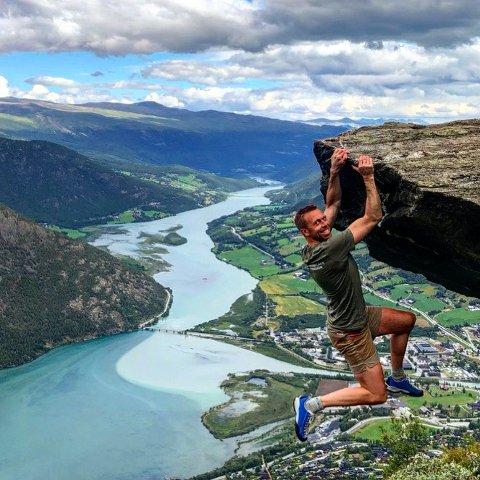 Mange vil gispe av dette bildet til Bjørnar Strendo fra Lomseggen, men ikke alt er som det ser ut på bilder.