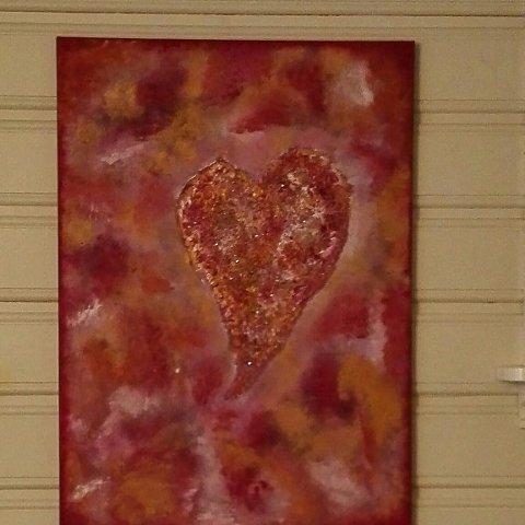 HJERTEVARME: Dette bildet som Elisabeth Linstad Tangen har malt, heter Hjertevarme. Nå blir det også konsert med samme tittel.