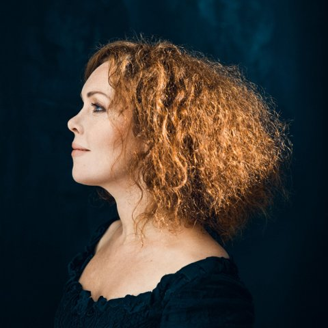 HUSET: Kristin Asbjørnsen spiller på Huset i Brandbu lørdag 12. oktober