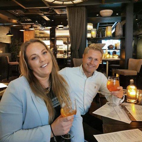 FINALISTER: Silje Sandberg fra Jevnaker og Truls Torp Karlsen konkurrerte i finalen i TV-serien «Masterchef». De har blitt gode venner og så finalen sammen onsdag kveld.