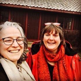 """Inge Lauwers og Susanne Schakenda er klar med utstillingen """"Refleksjoner"""" på Grinakervevde to neste fredagene og lørdag ene i desember."""