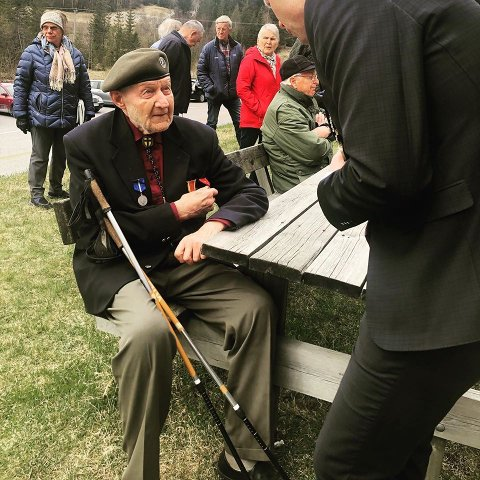 Veteran: Anders Bjøralt (91) tjenestegjorde i tysklandsbrigaden i 51/52. Han var en av mange fremmøtte under minnemarkering på Rundelen 8. mai.