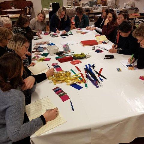 KURS: Sømkurs i Sysselgården, litt teori for kursdeltakerne.