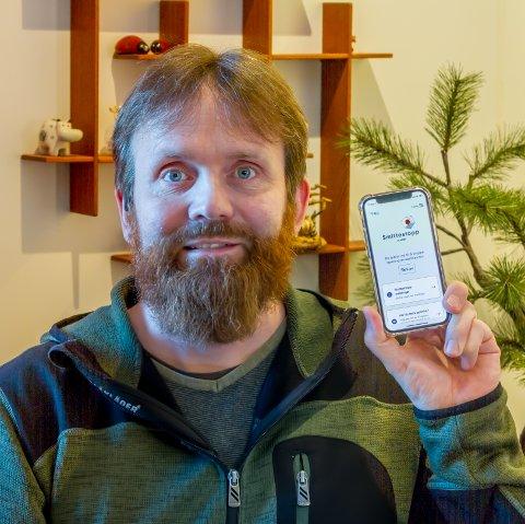 Stadig fleire gjer som Håkon Tverdal og lastar ned Smittestopp-appen som no også verkar på tvers av landegrensene. Smittevernoverlegen i Ullensvang oppmodar fleire til å gjera det same som Håkon.