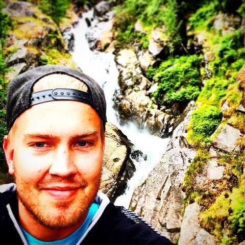 SAVNET: Letemannskaper har i helgen og mandag lett etter savnede Christian Kvamme (28) i og rundt Ølensfjorden.