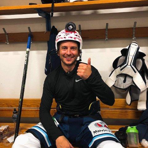 KRIGERHJELMEN: Didrik Waågsæther fikk krigerhjelmen i lørdagens 7-5-seier til Haugesund Seagulls mot Furuset. Foto: HAUGESUND SEAGULLS' FACEBOOKSIDE