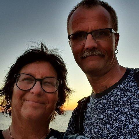 - Vi har reist til Gran Canaria ti ganger til sammen og vi har opplevd calima flere ganger før, men aldri så kraftig som denne gang, forteller Sissel Breiland og Terje Heimland fra Mosjøen som ble sandfaste ved ankomst ferieøya.