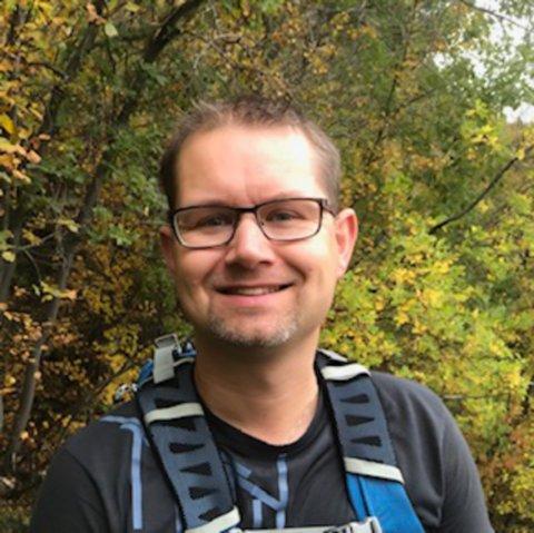 STØTTER IKKE PRIDE: Kirkelig leder, Jørn-Ivar Holmgren mener Pride-feiringen handler om å endre andres meninger og et massehysteri.