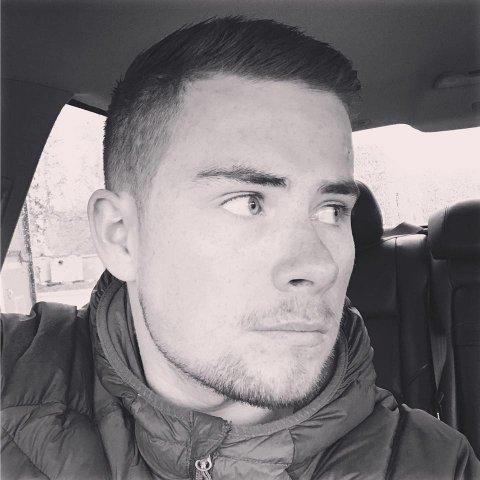 AKTIV: Ørjan Balto Hansen, som bor i Tromsø, har snart hatt MS-diagnosen i en måned. Han sier strålingen i ryggmargen har begynt å spre seg i resten av kroppen.