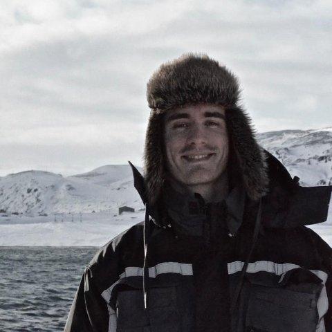 FIKK FØRSTE STIKK: Jakob Thorkildsen er kommuneoverlege i Berlevåg. Han fikk den første koronavaksinen onsdag.