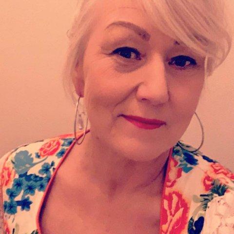 SOSIALE MEDIER: Heidi Persdatter Greiner Haaker har lagt ut på alle sosiale medier om at hun ikke har jobb. - Jeg skal ikke være arbeidsløs lenge.
