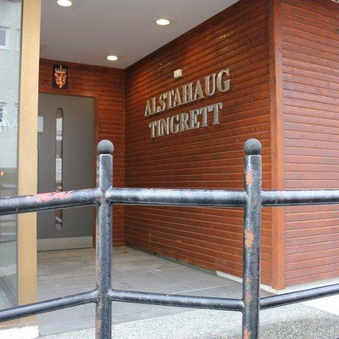 Statsadvokaten i Nordland har tatt ut tiltale mot en mann som hadde sex med en kvinne mens hun sov, eller var overstadig beruset.