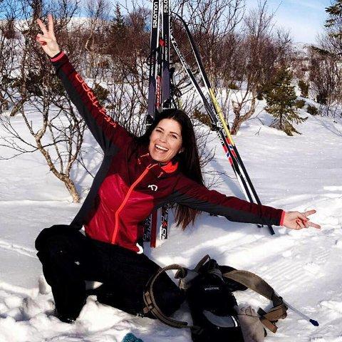 Fay Einmo fra Leirfjord er svært glad for muligheten som hun fikk ved å ta fagbrev ved hjelp av NAV, og anbefaler ordningen til andre.