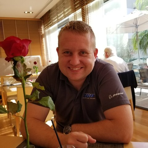 Kjetil Madland jobber som charterpilot i USA. Det siste året har han hatt 600 timer i luften, og vært innom 21 land og fem kontinenter.