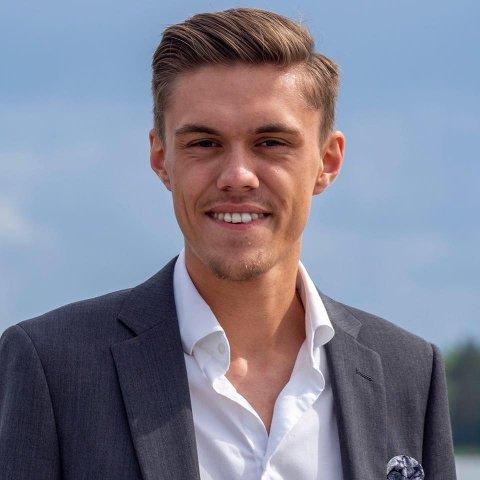 VIL DELE ÆREN: Herman Fåne i Ullensaker FrP  påpeker at de borgerlige partiene i kommunen i lang tid har jobbet for barnehage på Kløfta. Han sier det ikke er viktig for partiet om velferdstilbudet kommer fra offentlige eller private aktører.