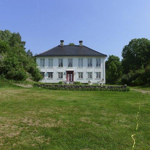 Alle velkommen: Alle som vil er invitert til jubileumsfest på Tåtøy hovedgård søndag 26. juni. Foto: Else Bjørg Finstad