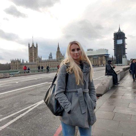 SØKER SAMBOER: Kristina Michelle Grunnsund har ikke råd til bolig alene i Lier. Nå søker hun en å dele huslånet med.