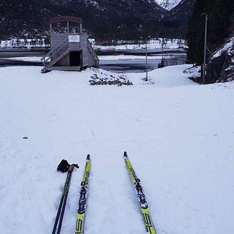 Slik ser det ut i Tveitedalen tysdag morgon no i vinterferien.
