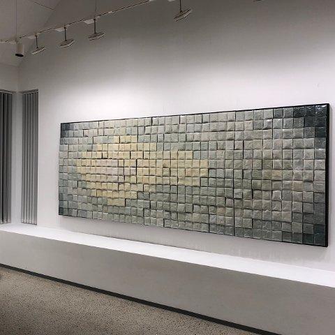Frå Turid Vikene-utstillinga som er ferdig montert i Galleri G Guddal.