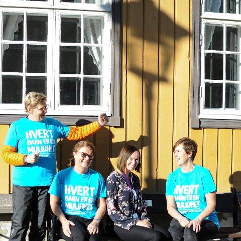 OPPFORDRER TIL Å GI MYE TIL ÅRETS TV-AKSJON: Disse damene er litt mer en gjennomsnittlig engasjert i å samle inn penger til årets TV-aksjon. Nå skal alle bedrifter i Kongsberg få en e-post med mulighet for å gi sitt bidrag til UNICEF. Fra venstre Anne-Jenny Archer, leder for næringslivsdugnaden og representant i kommunekomiteen for innsamlingsaksjonen, Sissel Haug, fylkets representant for TV-aksjonen, Ingunn Hæve fra TechnipFMC og Wivi-Ann Bamrud, daglig leder i Kongsberg Næringsforum.