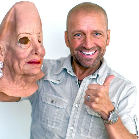 Heming Kulø og Mama La Samba-masken.