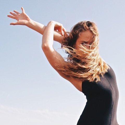 DANS: Ingeborg Kolstad (18) ønsker å leve av dans. Om hun vinner Drømmestipendet skal hun bruke de 15.000 kronene på å dekke kostnadene på å flytte til USA og gå på dansecollege.