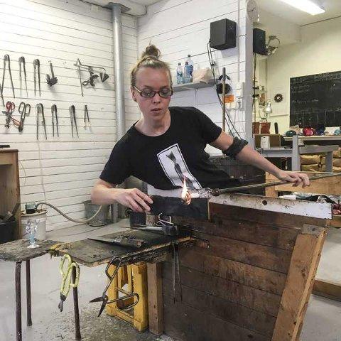 Stipend: Glassblåser Heidi Kristiansen er blant de tre kunstnerne i Lofoten som har fått reisestipend