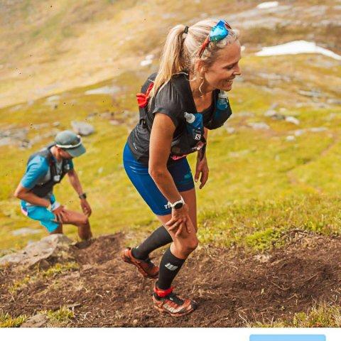 VANT: Mirjam Saarheim (41) i godt driv under lørdagens Sans Senja Skyrace.