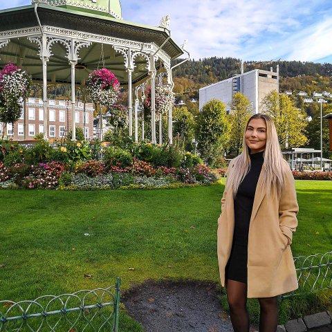 STUDENT: Natalie Eltoft (24) fra Tangstad studerer i Bergen, byen som de siste ukene har vært sterkt preget av koronaviruset.