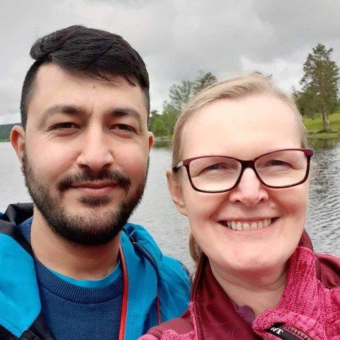 VIL HJEM: Siw Niva får ikke ta mannen sin, Rahim Allahdad med til Norge for UDI mener han har giftet seg med henne kun for å få opphold i Norge.