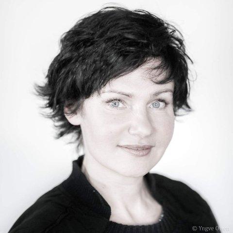 Kultursjef i Vestvågøy kommune Elena Yakovleva, som startet i stillingen i september 2020. Nå har hun søkt seg sørover i landet.