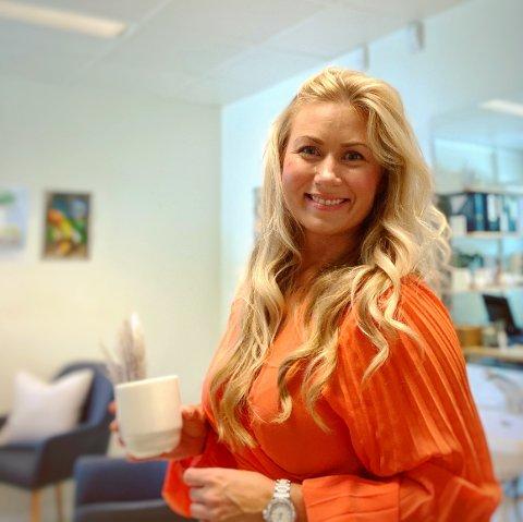 Randi Flesjø (39) endret karrierevei fra frisør til ernæringsfysiolog i voksen alder, det har hun ikke angret på.