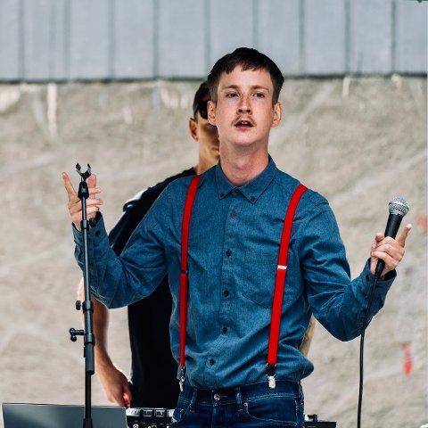 Adrian Bjørge-Nilsen (21) var på internasjonal musikkkonkurranse i helga.