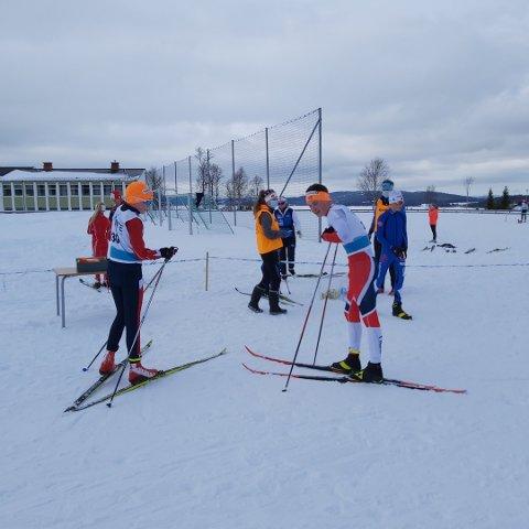 SEIRET: Johannes Skistad (til høyre) fra Overhalla vant sin klasse i Lirennet søndag. -Jeg synes rennet gikk bra, og formen føles grei, sa G14-løperen eter målgang.