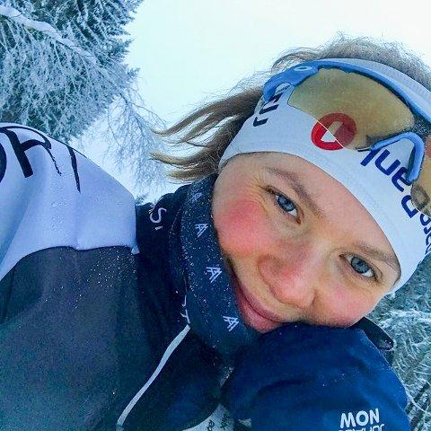 SKI PÅ VINTER: Kristin Riseth har alltid vært aktiv innen utholdenhetsidrett. På vinteren er skia ofte på.